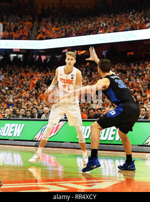 February 23, 2019: Syracuse sophomore forward Marek Dolezaj (21) looks to pass the ball during the first half of play. The Duke Blue Devils defeated the Syracuse Orange 75-65 for an ACC win at the Carrier Dome in Syracuse, NY. Alan Schwartz/CSM - Stock Photo