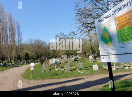Nunhead Cemetery in South East London - Stock Photo