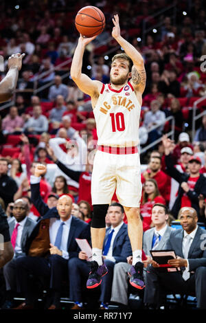 Raliegh, North Carolina, USA. 24th Feb, 2019. North Carolina State Wolfpack guard Braxton Beverly (10) during the NCAA College Basketball game between the Wake Forest Demons Deacons and the North Carolina State Wolfpack at PNC Arena on Sunday February 24, 2019 in Raleigh, NC. Jacob Kupferman/CSM Credit: Cal Sport Media/Alamy Live News - Stock Photo