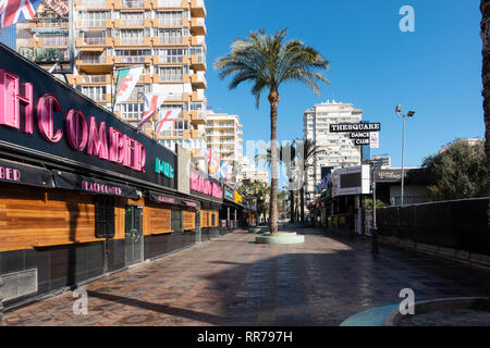 Benidorm, Costa Blanca, Spain, 25th February 2019. Two staff members at the Beachcomber pub in Benidorm New Town on the British square. Two British tourists have been arrested in relation to the alleged attack. Credit: Mick Flynn/Alamy Live News - Stock Photo