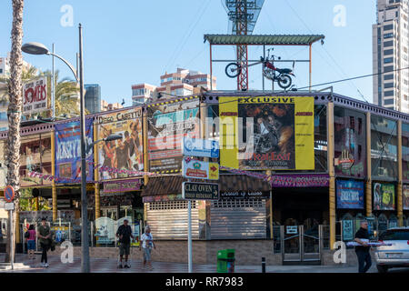 Benidorm, Costa Blanca, Spain, 25th February 2019. Two staff members at the Beachcomber pub in Benidorm New Town on the British square. Two British tourists have been arrested in relation to the alleged attack. Seen here is Jokers Pub which is not connected to the reported incident.  Credit: Mick Flynn/Alamy Live News - Stock Photo