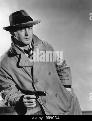 Alan Ladd as Philip Raven THIS GUN FOR HIRE 1942 directed by Frank Tuttle based on novel by Graham Greene Paramount Pictures - Stock Photo