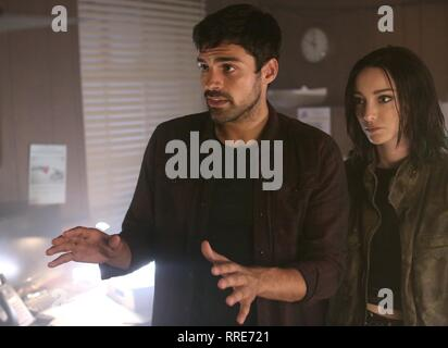THE GIFTED, SEAN TEALE , EMMA DUMONT, 2017 - Stock Photo