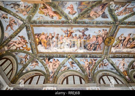 Painted Ceiling of the Loggia of Cupid & Psyche (1518) by Raphaël, in the Renaissance Villa Farnesina, built 1506-1510, Trastevere Rome Italy - Stock Photo