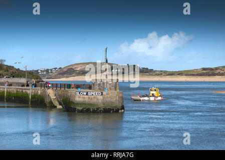 The Padstow to Rock Ferry arriving at Padstow Harbour on the North Cornwall coast. - Stock Photo