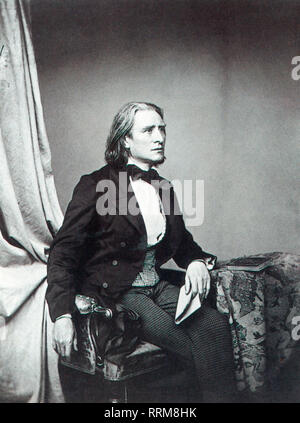 Liszt, Franz, 22.10.1811 - 31. 7.1886, Hungarian composer, pianist, half length, by Franz Seraph Hanfstaengl (1804 - 1877), circa 1860, Additional-Rights-Clearance-Info-Not-Available - Stock Photo