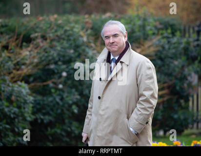 London, UK. 26th Feb, 2019. Geoffrey Cox, Attorney General, arrives in Downing Street for the weekly Cabinet meeting. Credit: Tommy London/Alamy Live News - Stock Photo