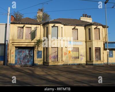 A closed down, semi derelict former pub (The Burgoyne Arms) in Sheffield, UK. Shut pub - Stock Photo