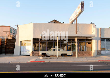 North America, America, American, USA, Nevada, Great Basin, Nye County, Tonopah, Old garage - Stock Photo