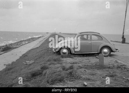 VW Beetle - VW Käfer unterwegs - An der Küste  -  VI - Stock Photo