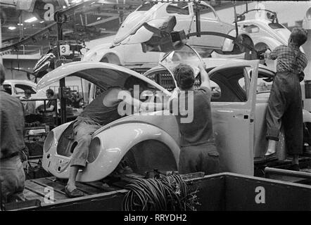 VW Beetle - VW Werke - VW Käfer  -  Montage - Stock Photo