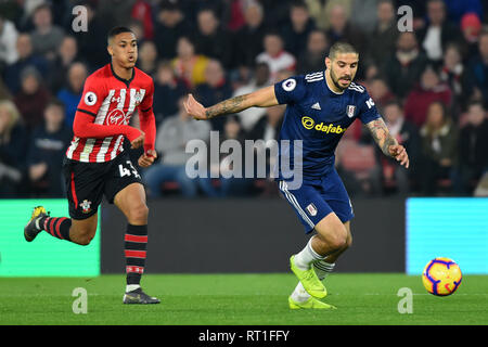 SOUTHAMPTON, UK 27TH FEBRUARY Fulham forward Aleksander Mitrovic breaks away from Southampton defender Yan Valery during the Premier League match between Southampton and Fulham at St Mary's Stadium, Southampton on Wednesday 27th February 2019. (Credit: Jon Bromley | MI News) Credit: MI News & Sport /Alamy Live News - Stock Photo