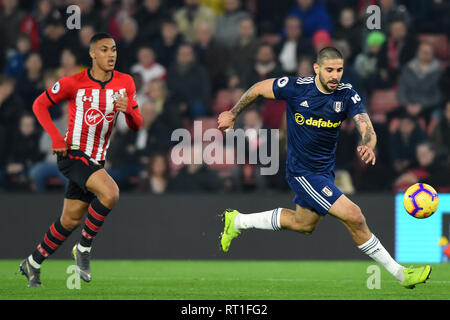 SOUTHAMPTON, UK 27TH FEBRUARY Fulham forward Aleksander Mitrovic breaks from Southampton defender Yan Valery during the Premier League match between Southampton and Fulham at St Mary's Stadium, Southampton on Wednesday 27th February 2019. (Credit: Jon Bromley | MI News) Credit: MI News & Sport /Alamy Live News - Stock Photo