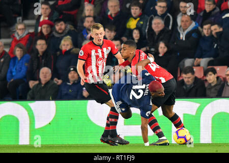 SOUTHAMPTON, UK 27TH FEBRUARY Southampton defender Yan Valery tackles Fulham forward Ryan Babel during the Premier League match between Southampton and Fulham at St Mary's Stadium, Southampton on Wednesday 27th February 2019. (Credit: Jon Bromley | MI News) Credit: MI News & Sport /Alamy Live News - Stock Photo