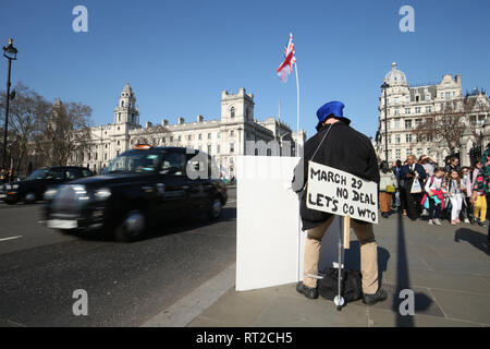 A pro-Brexit demonstrator in Parliament Square, Westminster, London. - Stock Photo