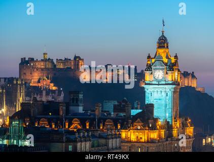 Edinburgh, Scotland, UK. 26 February, 2019. View at sunset over famous Edinburgh skyline toward the Balmoral Hotel clocktower and Edinburgh Castle  fr - Stock Photo