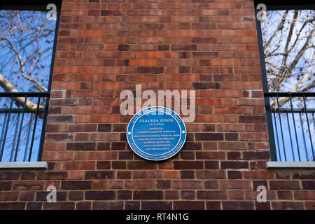 Blue Plaques celebrating individuals who organised and developed the annual Notting Hill Carnival: Claudia Jones - Stock Photo