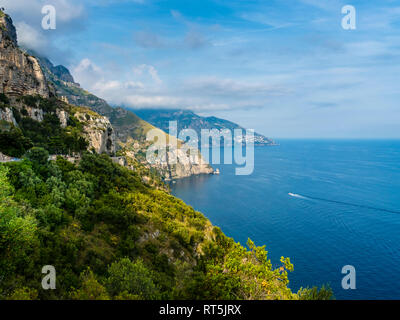 Italy, Campania, Gulf of Salerno, Sorrent, Amalfi Coast, Positano, cliff coast - Stock Photo