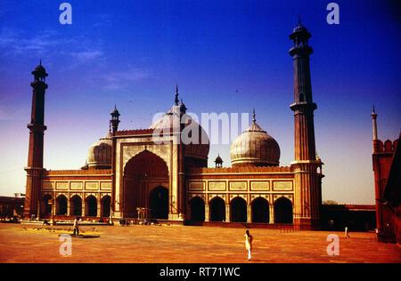 The Masjid-i Jahān-Numā, Jama Masjid, Friday Mosque, built by, Mughal Emperor, Shah Jahan, 1644 and 1656, Delhi, India, - Stock Photo