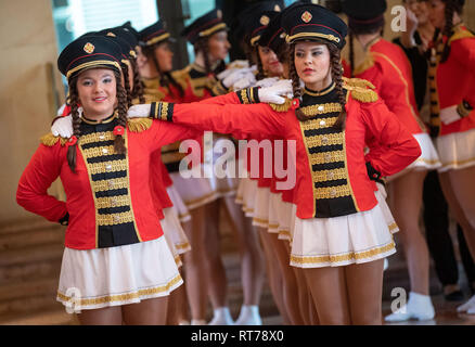 28 February 2019, Bavaria, München: Guard girls stand in a line. Prime Minister Söder received delegations of carnival, carnival and carnival associations in the cupola hall of the Ministry of State. Photo: Lino Mirgeler/dpa Stock Photo