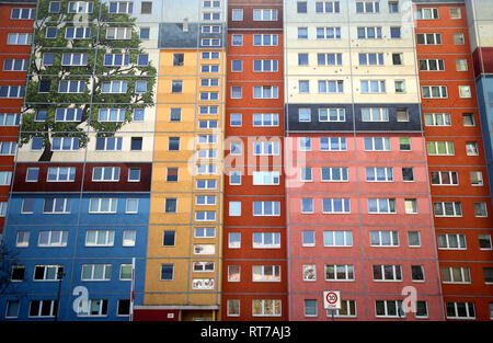 Berlin, Germany. 28th Feb, 2019. Coloured prefabricated buildings on Frankfurter Allee in the Friedrichshain district. According to a study, the rapid rise in real estate prices and rents in Germany could continue for years to come. According to an analysis published by Deutsche Bank in Frankfurt, the upswing in the housing market will continue in 2019 and could extend 'to 2022 or beyond'. (to dpa 'Deutsche Bank: Real estate prices are likely to rise for years to come' from 28.02.2019) Credit: Wolfgang Kumm/dpa/Alamy Live News - Stock Photo