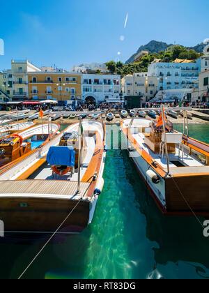 Italy, Campania, Capri, Marina Grande and boats - Stock Photo