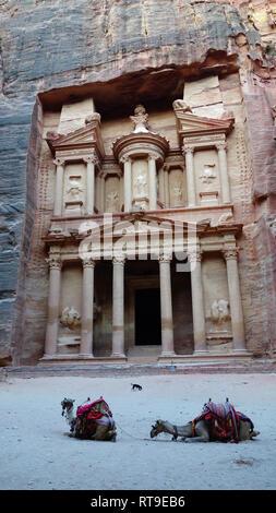 Petra in Jordan, Cave city, treasury - Stock Photo