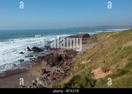 Freshwater west,  Pembroke at the north end at high tide - Stock Photo