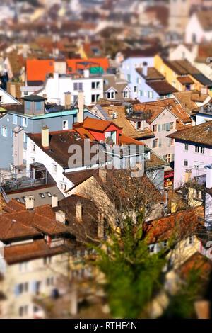 Blick vom Aussichtsturm des GrossmŸnster auf die DŠcher der Innenstadt von ZŸrich. - Stock Photo