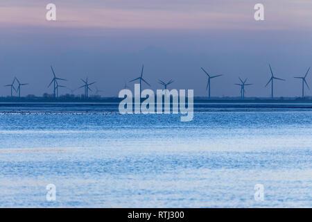 Wilhelmshaven, am Südstrand, Jadebusen, Meeresbucht, Friesland, Winter, Regenwetter, Windpark, - Stock Photo