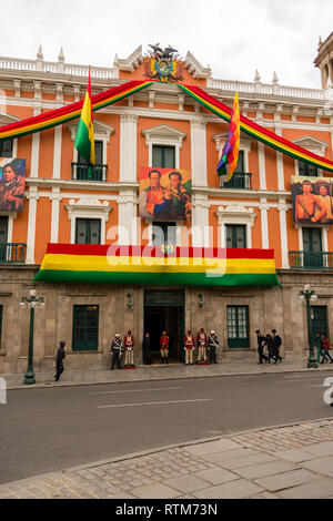 The Bolivian Palace of Government, better known as Palacio Quemado (Spanish: [paˈlasjo keˈmaðo], Burnt Palace), is the official residence of the Presi - Stock Photo