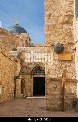 Jerusalem, Israel - November 21, 2018: The 9th station of the cross at Via Dolorosa street at the entrance to the Coptic Orthodox Patriarchate, St. An - Stock Photo
