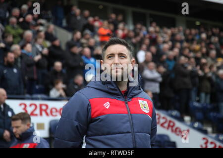 Preston, Lancashire, UK. Bristol City manager Lee Johnson in the dugout ahead of the Championship game between Preston North End and Bristol City at Deepdale which ended in a 1-1 draw. - Stock Photo