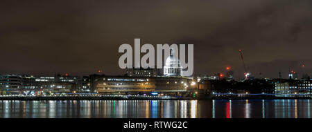 London, UK. 16th Apr, 2018. general view of St Paul Cathedral as Illuminated during the night in Central London. Credit: Ioannis Alexopoulos/SOPA Images/ZUMA Wire/Alamy Live News - Stock Photo