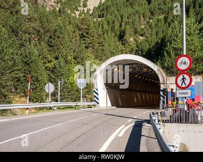 Bielsa-Aragnouet tunnel, border between Spain and France, tunnel entrance on the Spanish side - Stock Photo