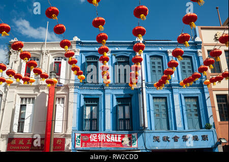 11.02.2019, Singapore, Republic of Singapore, Asia - Annual street decoration with lanterns along South Bridge Road in Chinatown. - Stock Photo