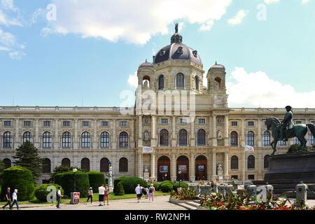 Museum of Art History on the Maria-Theresien-Platz in Vienna - Austria. - Stock Photo