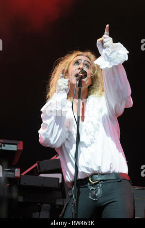 Nad Sylvan performing with Steve Hackett's Genesis Extended at Fairport's Cropredy Convention, August 7, 2014, 2014 - Stock Photo