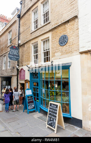Sally Lunn's Eating House and tea room date from 1680 and is the oldest house in Bath, N.E. Somerset, England, UK - Stock Photo