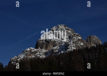 Italien, Dolomiten, Drei Zinnen, Monte Piano, Zinnen, Winter, Fels, Eis, Schnee, See, Monte Cristallo, Cima Cadin di San Lucano, 3 Cime, 3 Cime di Lav - Stock Photo