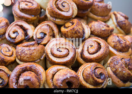 Artisan Chelsea Buns on disply at farmer market - Stock Photo