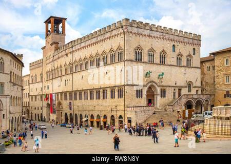 Perugia, Umbria / Italy - 2018/05/28: Panoramic view of the Piazza IV Novembre - Perugia historic quarter main square with medieval Palazzo dei Priori - Stock Photo