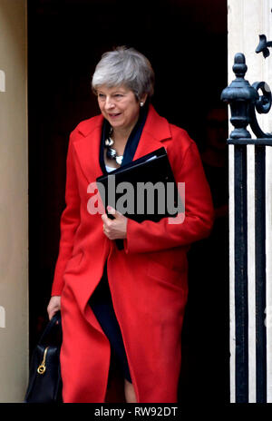 Prime Minister Theresa May leaving 10 Downing street after a cabinet meeting, Feb 2019 - Stock Photo