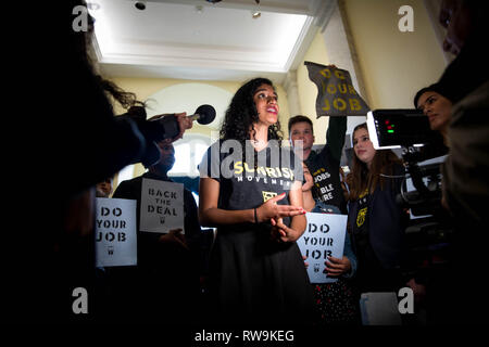 Washington, DC. USA. 12.10.18- Hundreds of young people occupy Representative offices to pressure the new Congress to support a committee for a Green New Deal. - Stock Photo