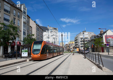 Le Mans (north-western France): building facades and tram line in the street ' rue Maillets , in the district of Maillets Villaret - Stock Photo