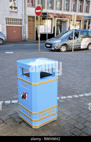 Pithiviers in France is twinned with Ashby-de-la-Zouch in England. Donated blue litter bin. Feb 2019 - Stock Photo