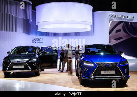 Geneva, Switzerland. 06th Mar, 2019. GENEVA, SWITZERLAND - MARCH 6, 2019: Lexus RX450hL (L) and Lexus RX450h vehicles on display at the 89th Geneva International Motor Show. Sergei Fadeichev/TASS Credit: ITAR-TASS News Agency/Alamy Live News - Stock Photo