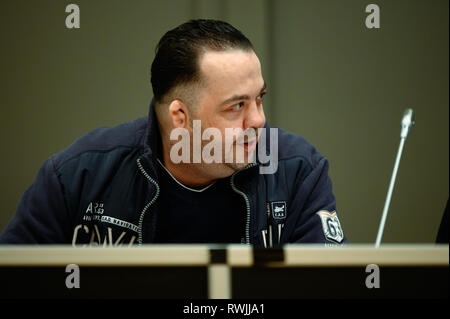 Oldenburg, Germany. 07th Mar, 2019. Niels Högel, accused of murdering 100 patients, is sitting in the courtroom on trial day. The former nurse, who has already been sentenced to life imprisonment for two murders in 2015, among other things, has been on trial again since the end of October 2018. Credit: Mohssen Assanimoghaddam/dpa/Alamy Live News - Stock Photo