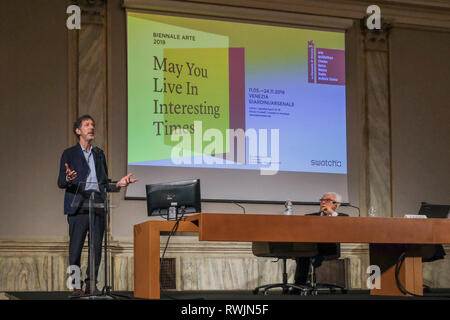 Venice, Italy. 7th March, 2019. Ralph Rugoff curator of Venice Biennale Of Art attends the press conference at Ca' Giustinian on March 07, 2019 in Venice, Italy. The 58th International Art Exhibition entitled 'May You Live In Interesting Times', curated by Ralph Rugoff in Venice, Italy. © Stefano Mazzola / Awakening / Alamy Live News - Stock Photo