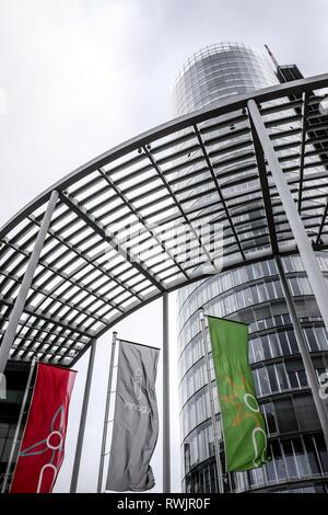 Essen, North Rhine-Westphalia, Germany - Innogy, flags in front of the RWE Tower.  Essen, Nordrhein-Westfalen, Deutschland - Innogy, Fahnen vor dem RW - Stock Photo